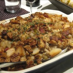 Bread Stuffing W/ Pears, Bacon, Pecans & Caramelized Onions