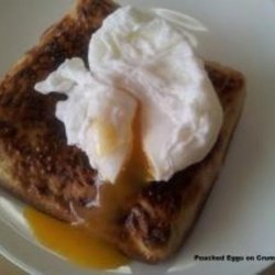 Poached Eggs on Crumpet