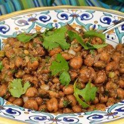 Middle Eastern Bean Dip (Foul Mudammas)