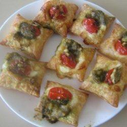 Super Easy Appetizer - Tomato and Pesto Crostini