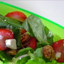 Spinach Salad With Strawberries and Caramelized Pecans