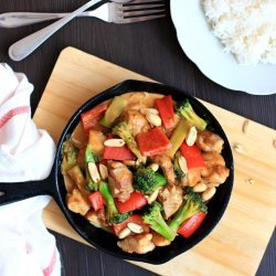 Chicken Stir-Fry With Vegetables and Peanuts
