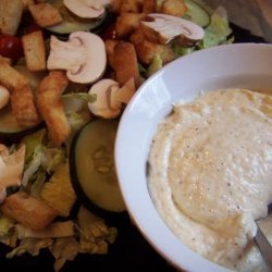 Mixed Green Salad With Parmesan Pepper Dressing