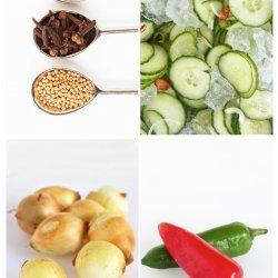 Cinnamon Cucumber Pickles