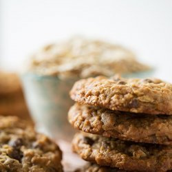Chewy Oatmeal Chip Cookies