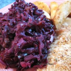 Red Cabbage Salad With Apples, Raisins & Honey Dressing