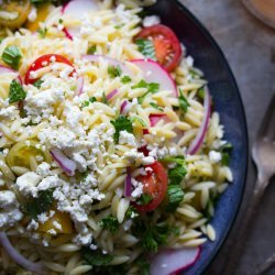 Pasta Salad with Tomatoes and Peas