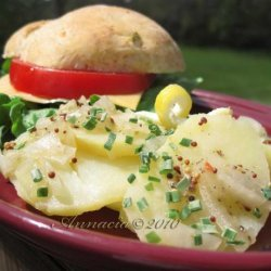 Light Summer Potato Salad - Leichter Kartoffelsalat