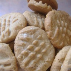 Peanut Butter Cookies (With a Corn Flake Crunch!)