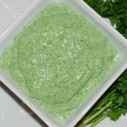 Spinach-Garlic Dip With Pita Triangles & Veggies