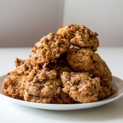 Peanut Butter and Banana Oat Cookies