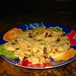 Vegan Oatmeal-Raisin Cookies