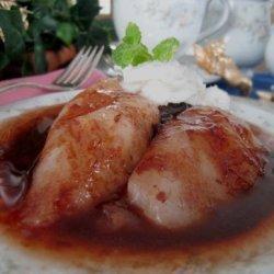Luscious Pears in Raspberry Sauce