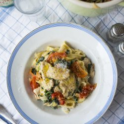 Creamy Chicken and Pasta With Spinach