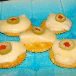 Cheesy Ritz Cracker Melts