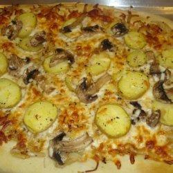 Potato, Caramelized Onion and Rosemary Pizza recipe