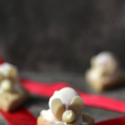 Christmas Mice on Shortbread