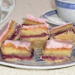 Aunt Helen's Almond-Raspberry Rice Squares recipe