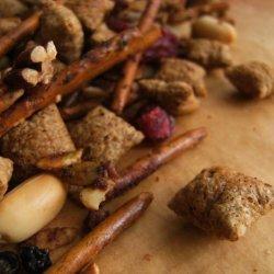Shreddies Gingerbread Snack Mix