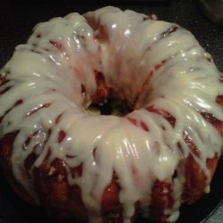 Sticky Bun Breakfast Ring With Cream Cheese Icing