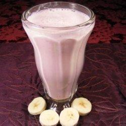 Easy Strawberry & Banana Milkshake