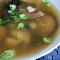 Sunday's Hearty Miso Soup (Tofu, Seaweed, Mushrooms, Etc.)