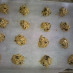 Rissani's Chewy Chocolate Chip Oatmeal Cookies