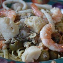 Il Linguine & La Salsa Di Pesto Con Frutta Del Mare