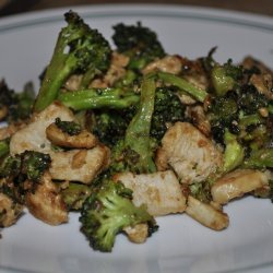 Chicken and Broccoli Stir-Fry With Peanut Sauce