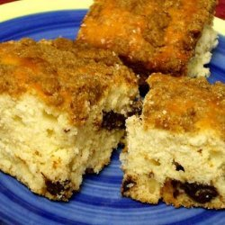 Streusel-Topped Chocolate Chip Coffee Cake