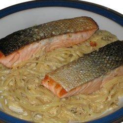 Salmon With Tarragon Cream Sauce
