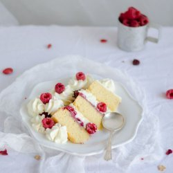 Raspberry and Almond Mascarpone Cake