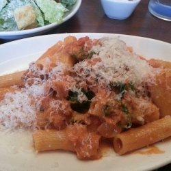 Rigatoni With Creamy Tomato and Sausage Sauce