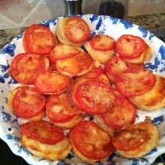 Paula Deen's Cheesy Tomato Tartlets