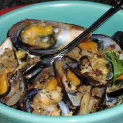 Broiled Garlic Mussels (Moules Gratiees ) recipe