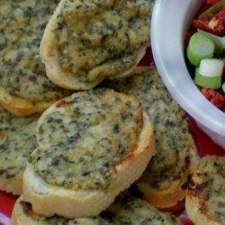 Toasted Pesto Rounds