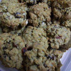 Oatmeal Cookies With Raisins and Cranberries