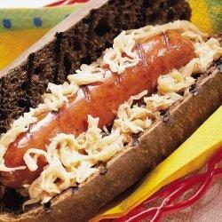 Bratwurst Reubens