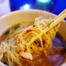 Rice Noodles and Chicken Soup