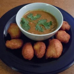 Sambhar Vada  (Yellow Lentil Soup With Spiced Doughnuts) recipe