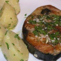 Tuna Steak With Dalmatian Lemon-Garlic Sauce