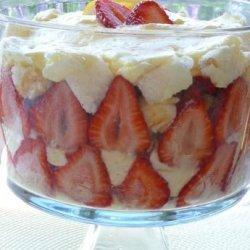 Strawberry-Lemon Angel Food Trifle