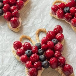 Berry Cream Cheese Tarts