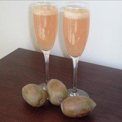 Golden Kiwi Fruit Bellini