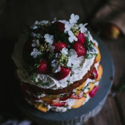 Buttermilk Cake With Strawberries
