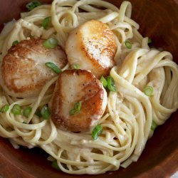 Linguine With Scallops and Lemon Cream