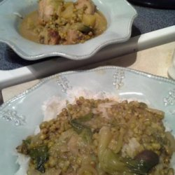 Filipino Style Chicken Soup With Mung Beans, Garlic and Bay Leav
