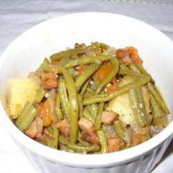Green Beans With Onions, Ham and Tomatoes