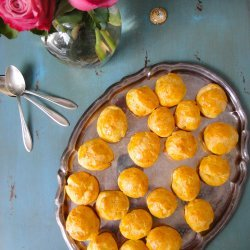 French Gougères (French Cheese Puffs)