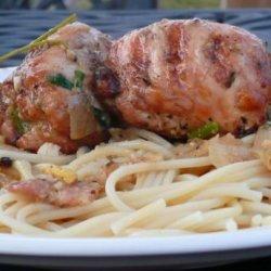BBQ Chicken Thigh Roll in White Wine Pasta Sauce (Chicken Bragjo